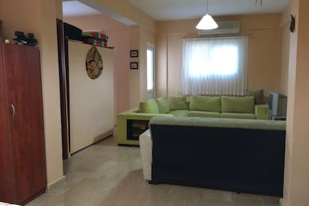 Very good flat at the center of Girne (Kyrenia) - Girne - Appartement
