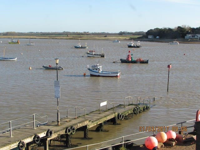 Harbour View - Suffolk