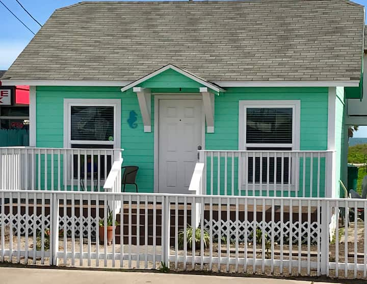 Blue Seahorse Cottage making beach memories.