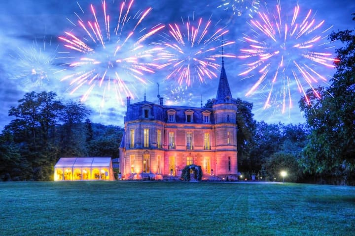 Chateau Lena with panoramic views! The perfect place for: - Weddings - Family reunions - Corporate events - Fairytale holidays - Memorable occasions - Private events