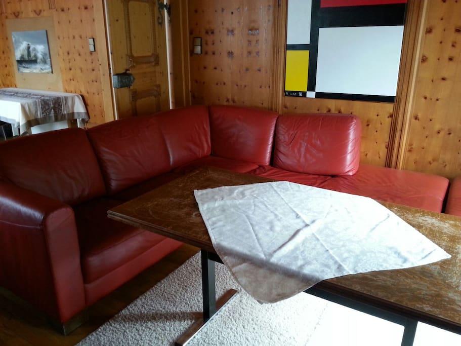 wohnung mit k che bad parkplatz z appartements louer saalfelden am steinernen meer. Black Bedroom Furniture Sets. Home Design Ideas