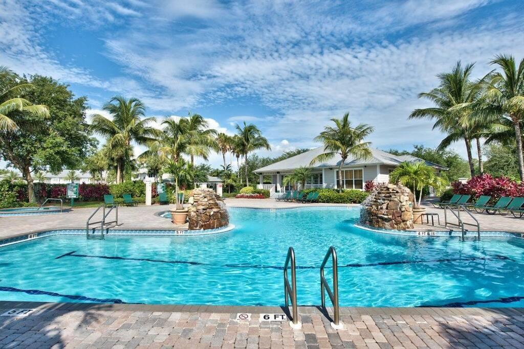 Lely Resort Luxury Condo 2 Spectacular Pool Golf Condominiums For Rent In Naples Florida