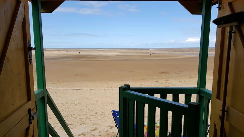 Beach Hut #84