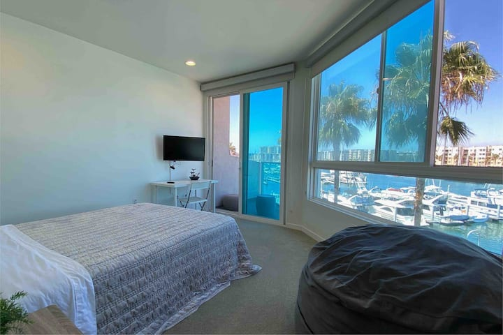 Clean & Modern - 2 Story Oceanfront Oasis