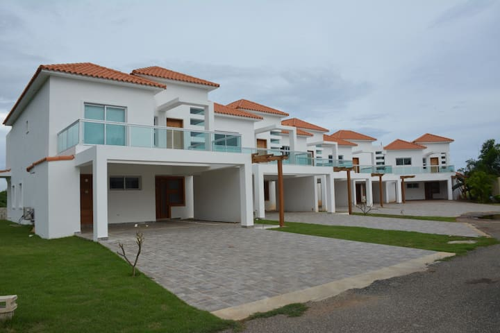 Lovely Townhouses Villa Providencia for rent - Juan Dolio - Şehir evi