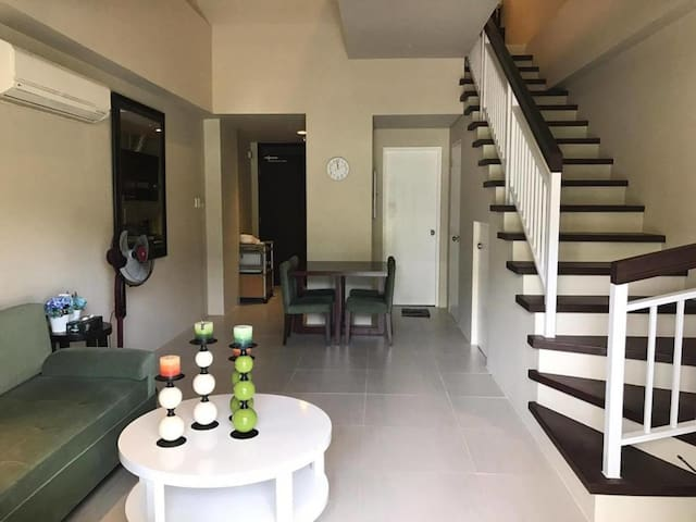 Pico de Loro - 2BR Loft type for 9 pax