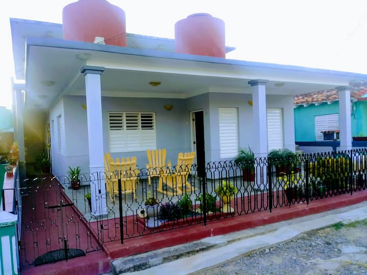 """Casa Ernesto y Aleida """"Visita a nuestra finca""""Wifi"""