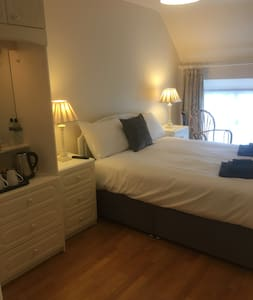 Cashelard B & B. Double Room with Private Bathroom