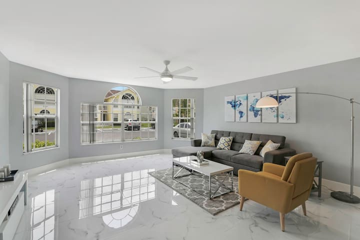 New 2019 Completely Renovated3/2 near Disney parks