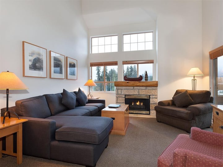 1.5BR Condo Heart of Whistler Village Facing Slope