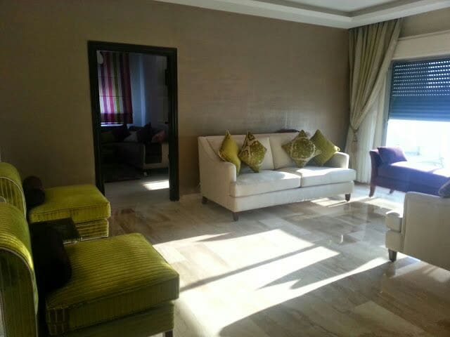 Sunny modern apt for longterm rent - Amman - Apartment