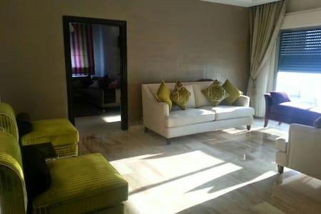 Sunny modern apt for longterm rent - Amman - Apartemen