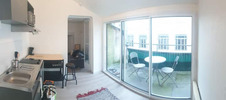 Appartement avec terrasse, proche centre