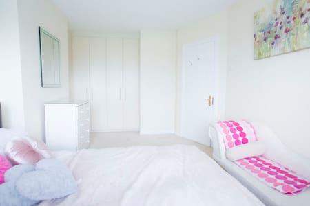 Double Room Haven - Celbridge