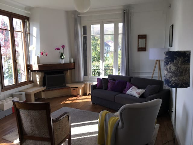 4bedroom Family home close to Paris and Versailles - Viroflay - House