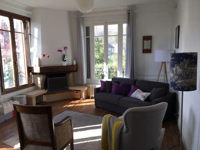 4bedroom Family home close to Paris and Versailles - Viroflay - Casa