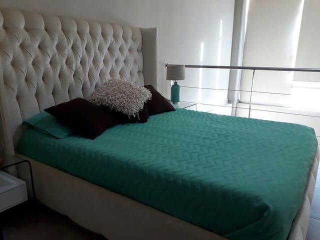 Habitación confortable para un descanso después de una caminata por la playa