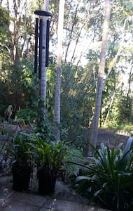 Self contained flat, tropical acre, pet friendly - Murwillumbah - Apartamento