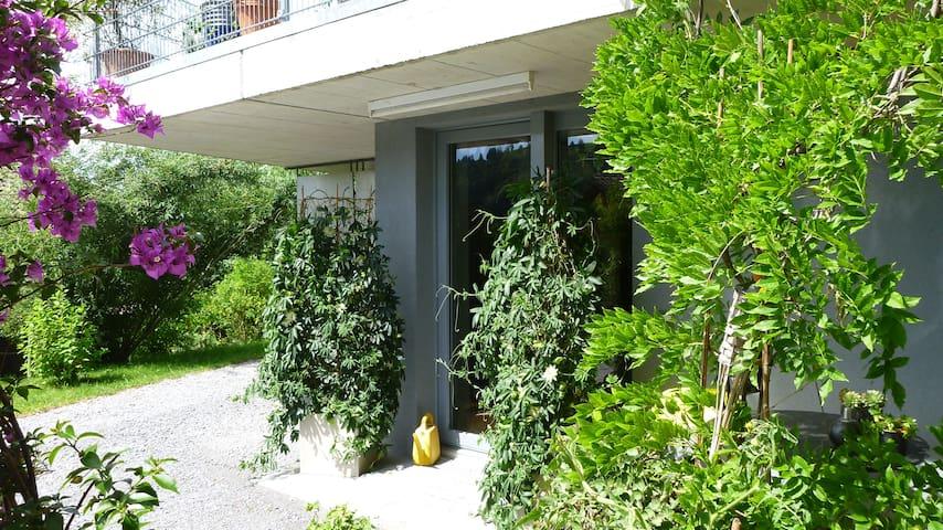 Liebevoll eingerichtete 2-Zimmerwohnung im Grünen - Bühler - Appartement