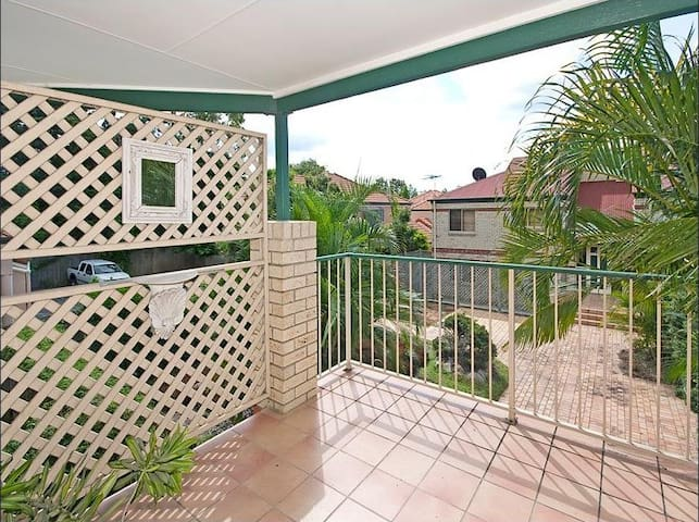 Comfy Bedroom - Yeronga - Apartamento