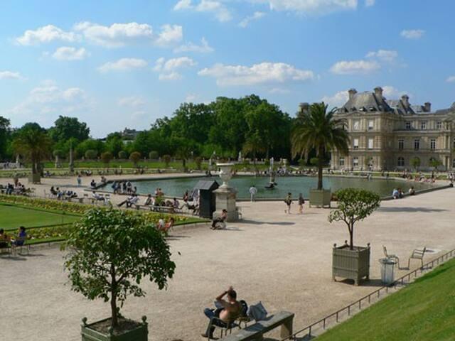 Petit studio design Jardin du Luxembourg