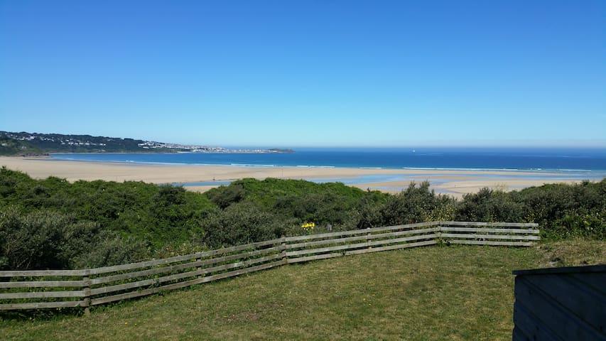 Quiet beach chalet