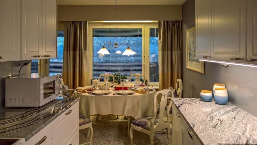 Beautiful Riverfront Apartment