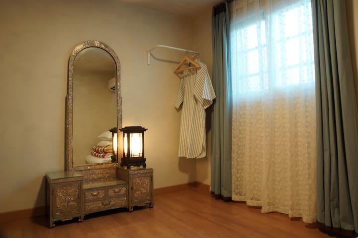 창성장5호 Lovely Korean style bedroom in a guesthouse