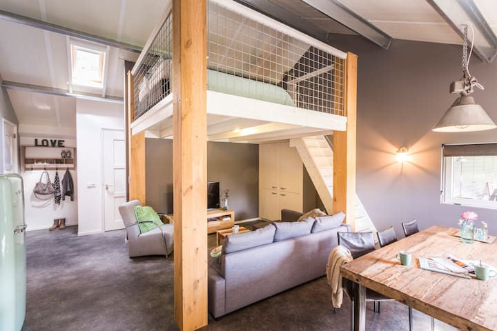 a hip apartment in tough country style - Katwijk