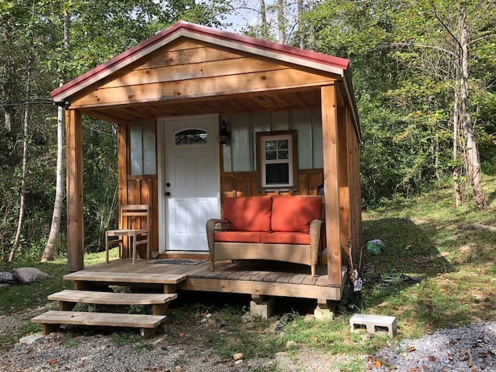 PINEY KNOB: private getaway in the mtns Pets OK