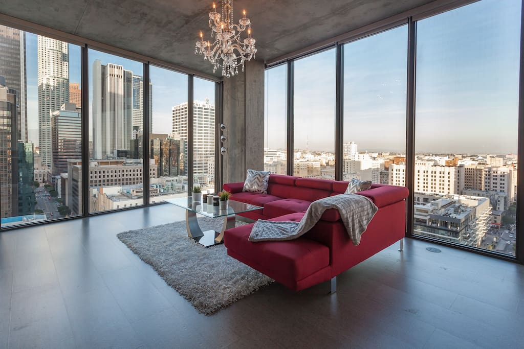 Urban downtown la floor to ceiling penthouse apartments for Penthouse apartment los angeles