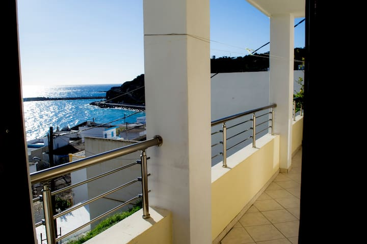 Seaview Apartment - Diafani - Appartement