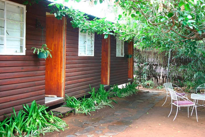 Cosy chaletroom 1 BB Bloemfontein just for you !