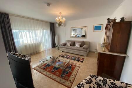 Super Wohnung in Ghermanesti 20 min vom Flughafen