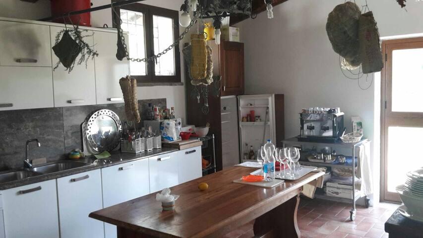 SAn GiovesE e TrebbianO o il CaberneT - Spoleto - Appartement
