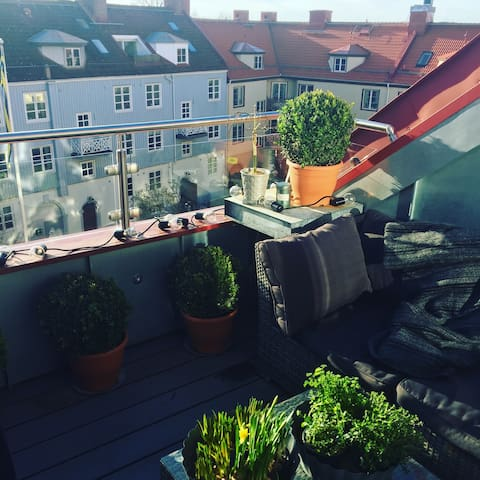 Two private floors close to everything - Gothenburg - Apartment