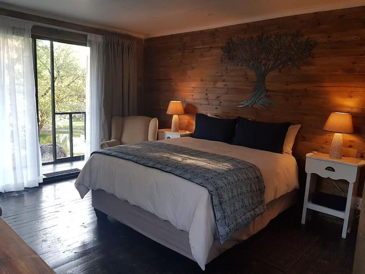 River Rock Guesthouse - The Olive Tree