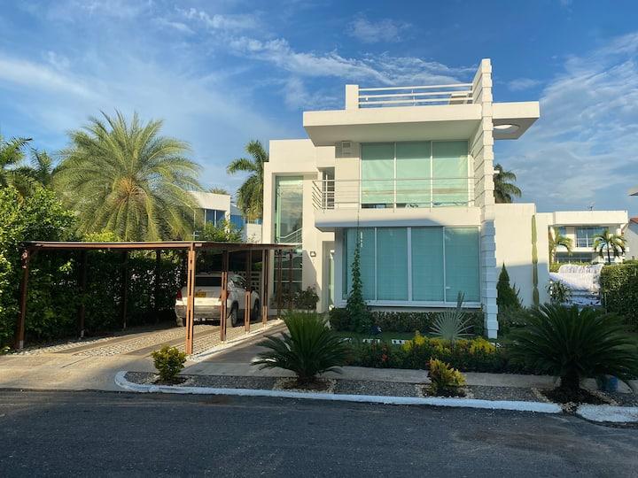 Hermosa casa de verano exclusiva