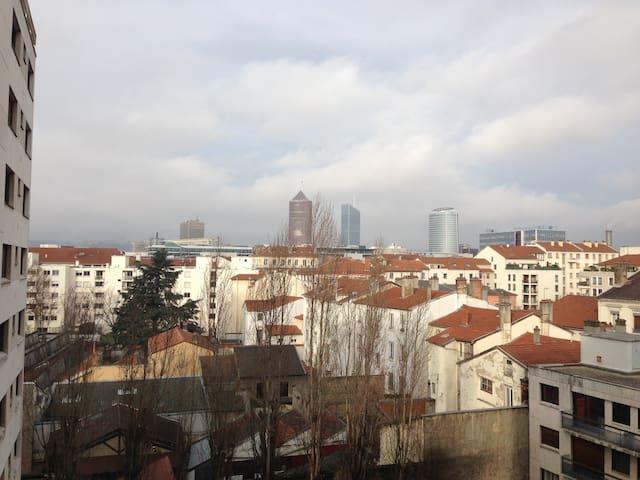 Loue appartement avec vue sur Lyon - Lyon - Appartement