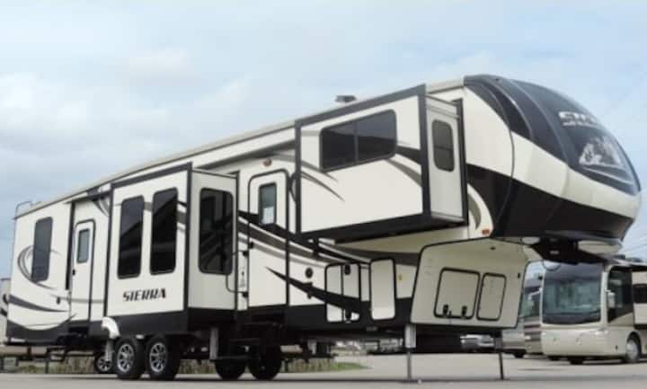 RV/Camper - Delivery To your campground!