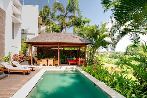 Luxury Private Villa, Stunning Views in the Heart of Bali