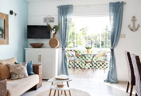 Charming 1bd in Holetown, across from beach