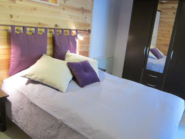 suite lilas - Saint-Jean-de-Sauves - 一軒家