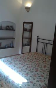 Camera comoda, spaziosa e luminosa - Torre Ovo - Bed & Breakfast