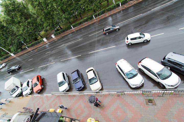 Парковка снаружи дома/ Outside parking