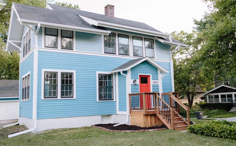 Eclectic Waterbury Home 6 min from Drake