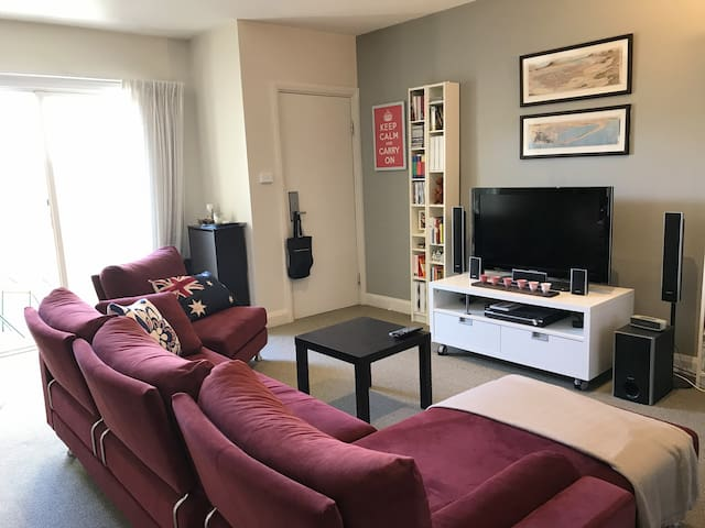 Spacious 1 bedroom in Forrest/Manuka - Forrest - Apartament