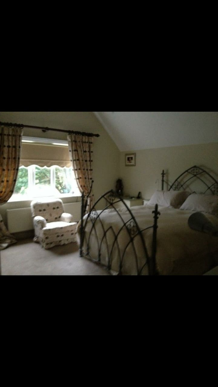 Ensuite King bed with Full English breakfast