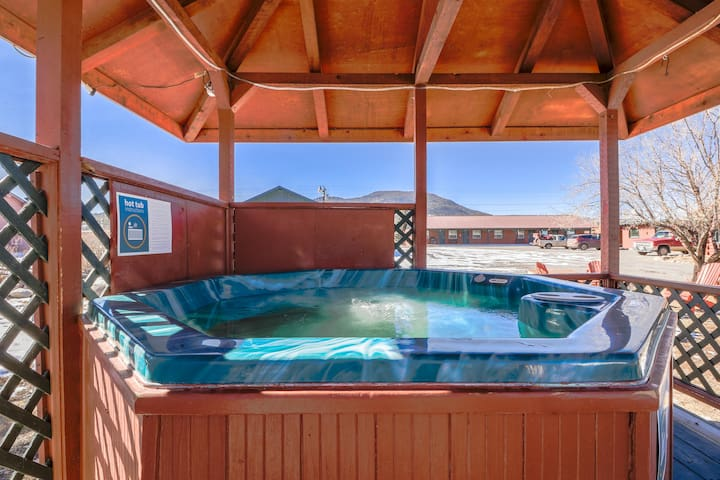 Two comfortable cabins w/ shared hot tub -  in the heart of South Fork - dogs OK