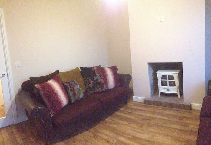 Ty Gwen - Cosy 2bedroom cottage - Burry Port  - Dom